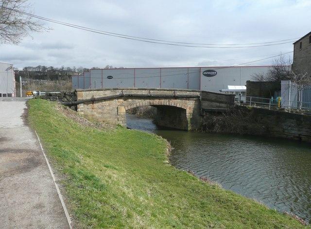 Bridge at North Cut, Brookfoot, Southowram