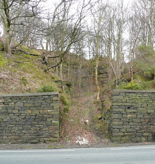 Entrance to quarry, Woodhead Road, Taylor Hill, Almondbury