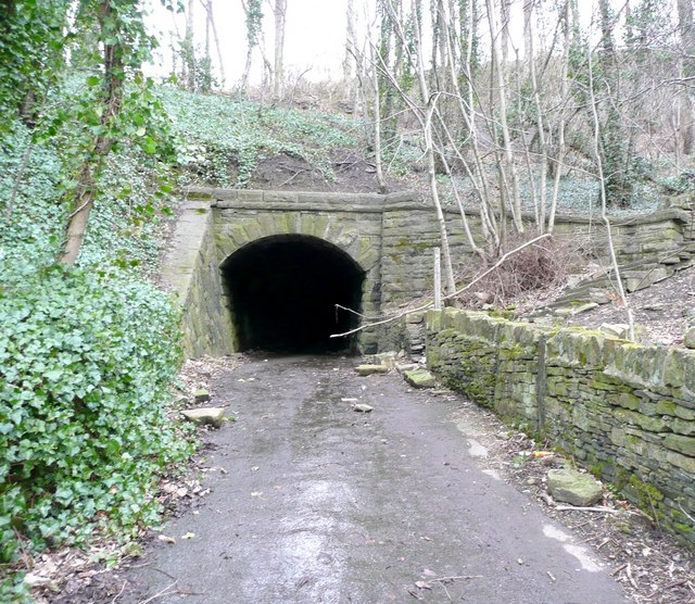 Tunnel off Woodhead Road, Steps, Almondbury