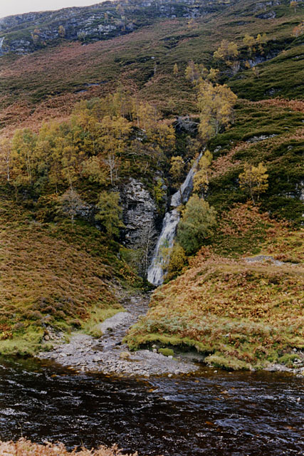 Waterfall at the foot of the Altan Caol a' Ghiubhais