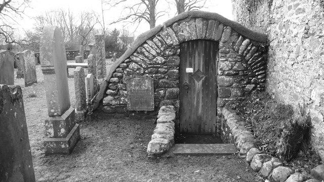Barrell Chamber, Broughton Graveyard