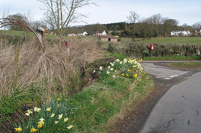 Rural postbox at Dursley Cross