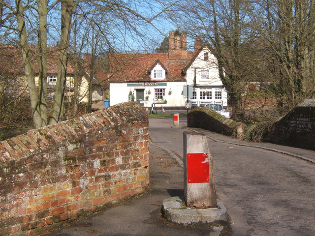 Bridge with width and weight restrictions at Chelsworth