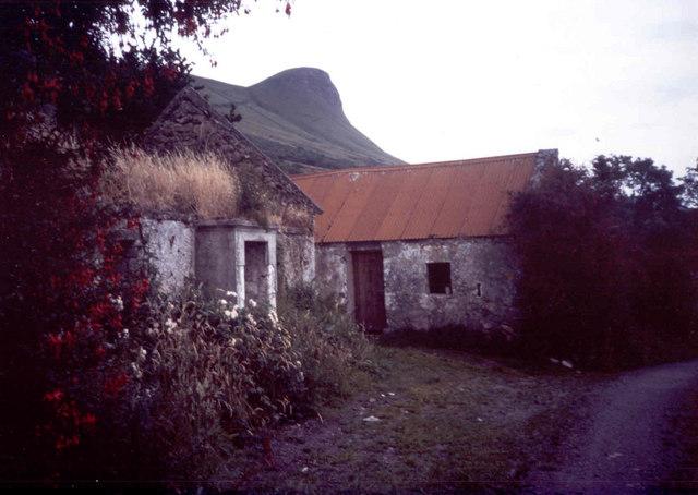 Abandoned farm, Keelty
