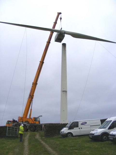 Dismantling one of the windmills at Chelker Reservoir (1)