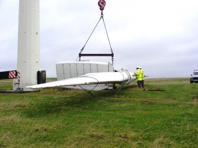 Dismantling a wind turbine at Chelker Reservoir (4)