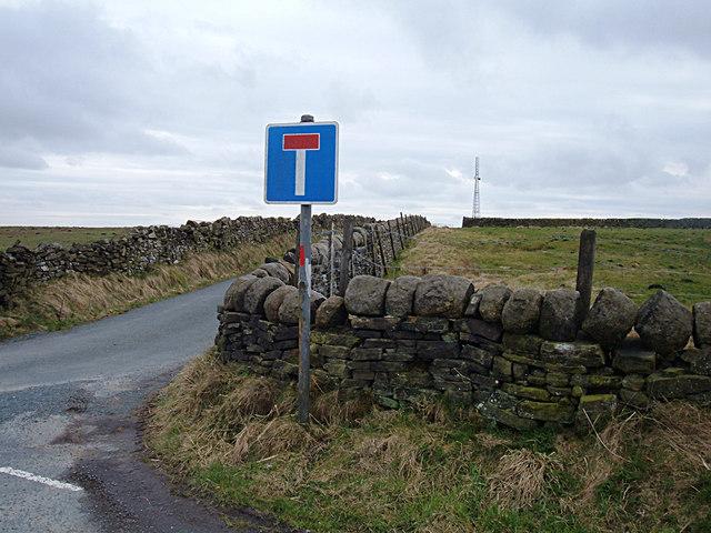 Towards the mast on Black Stone Hill
