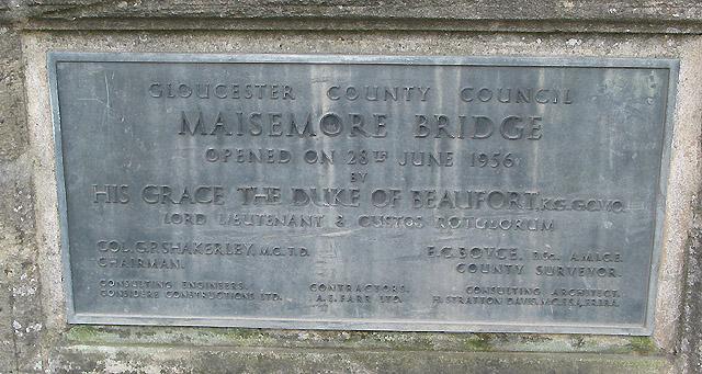 Commemorative plaque on Maisemore Bridge
