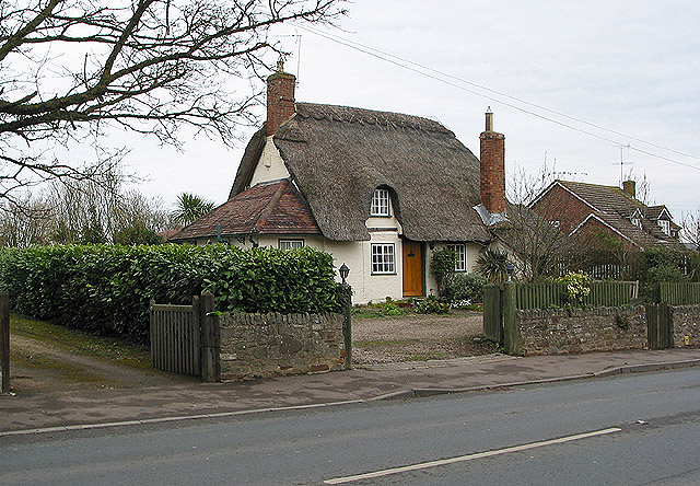 Thatched cottage, Maisemore
