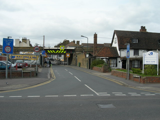 Bryant Road, at Gun Lane, Strood