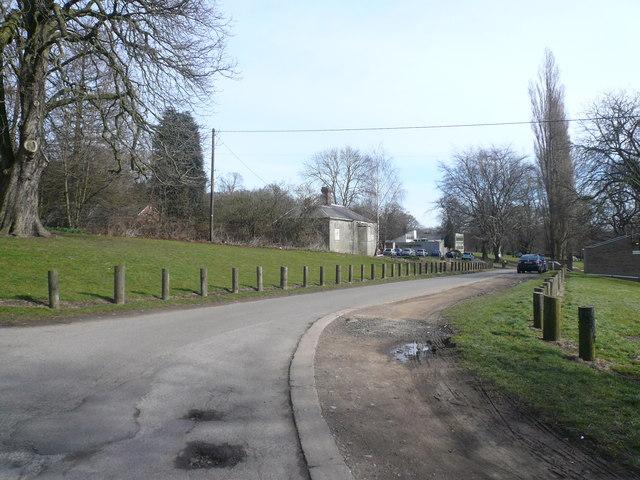 Alfreton - Drive approaching Parkwood School