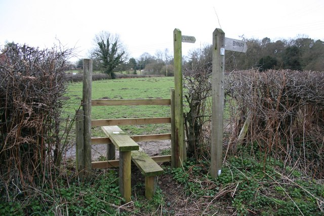 Stile at Huntingford Bridge
