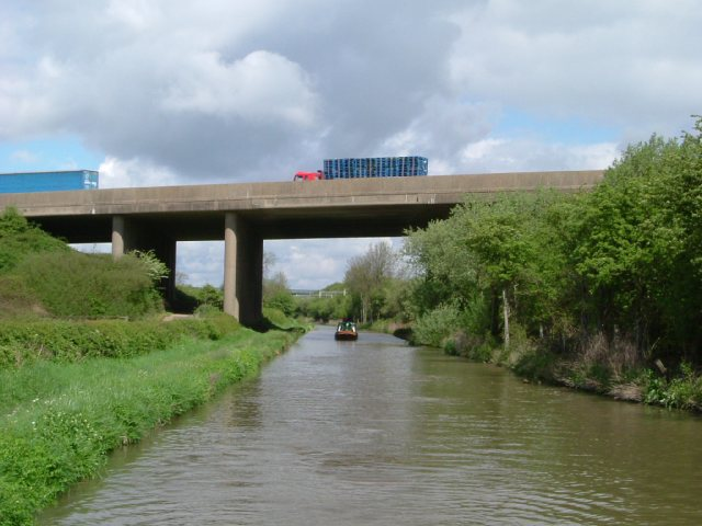 M6 bridge over the Oxford Canal