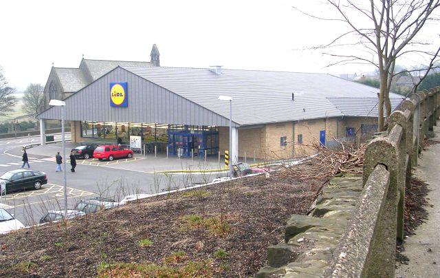 Lidl Supermarket - Carr House Road
