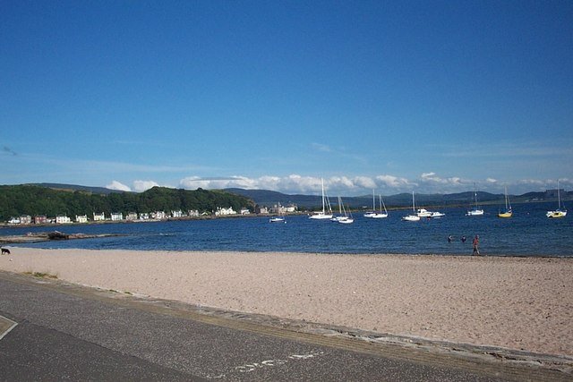 The beach at Millport Bay