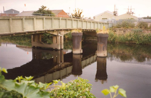 Piers of old bridge, Steanard Lane, Hopton