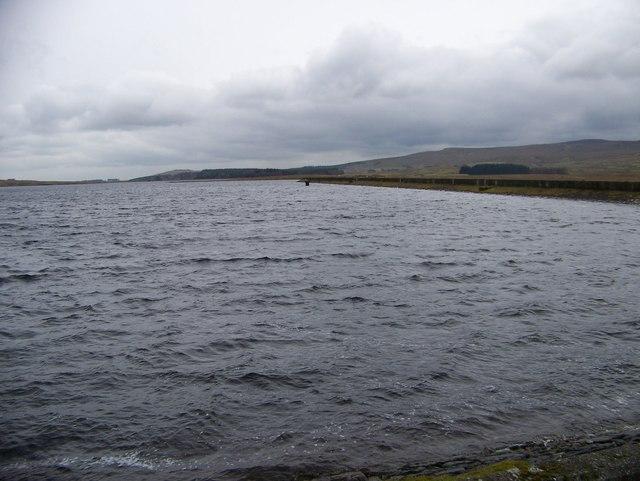 Loch side of the reservoir dam at Loch Thom