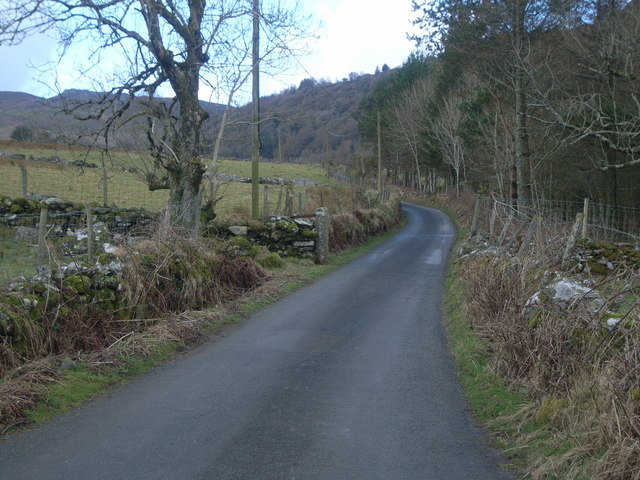 Looking away from Cwm Pennant