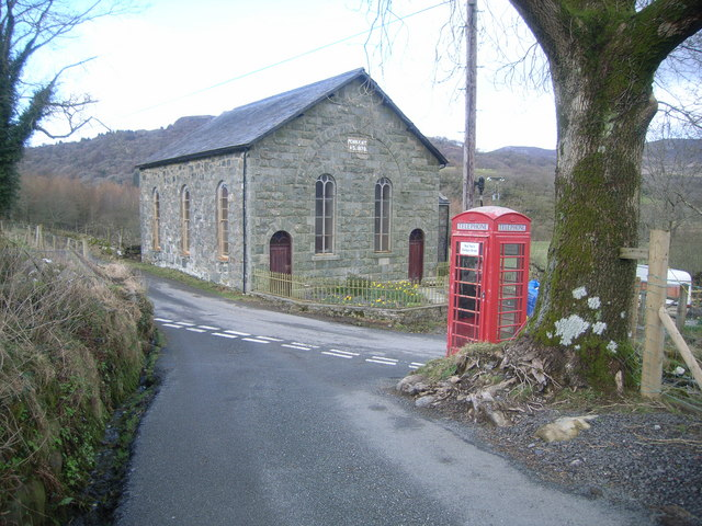 Capel Pennant Chapel and telephone box