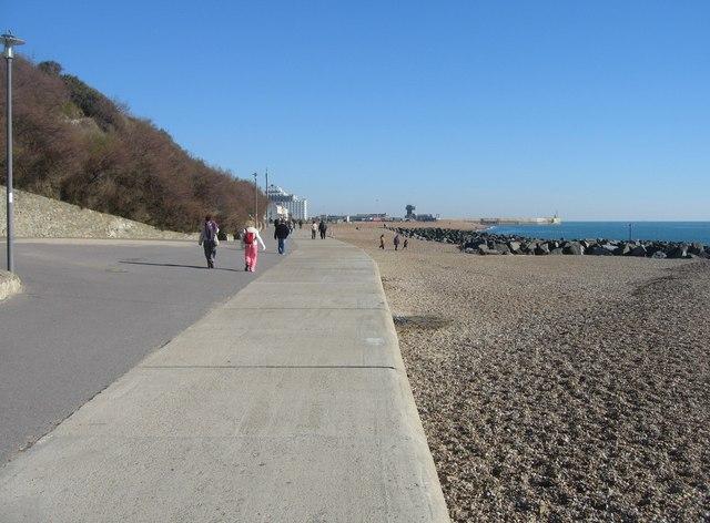 Sea wall - Folkestone