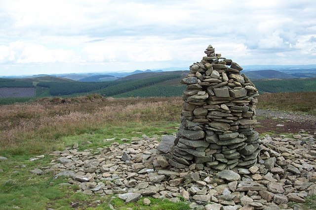 The cairn on the top of Minch Moor