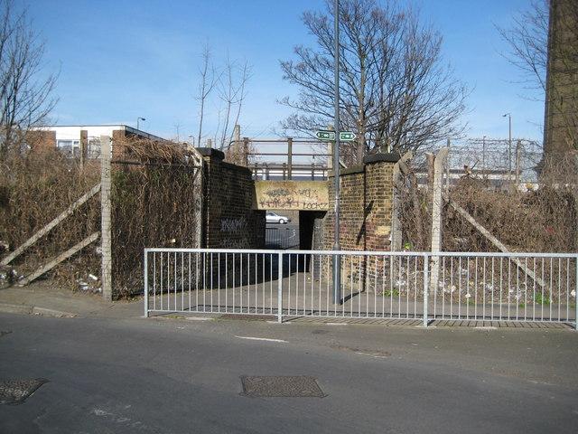 Woolwich: Pett Street / Woodhill subway