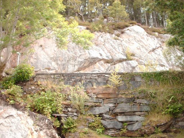 Wall and Rockface, Salen
