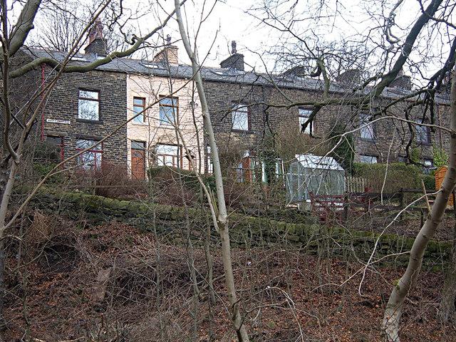 Watty Terrace, Gauxholme