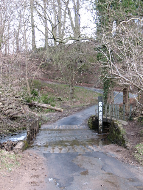Ford and footbridge at Sole Beck