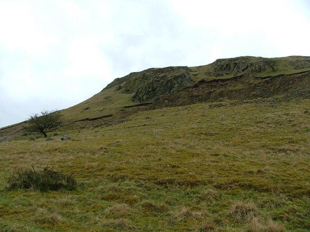Cliff on Bwlch-y-Cefn Bank