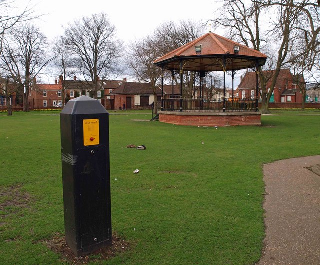 Bandstand and help point Thorne