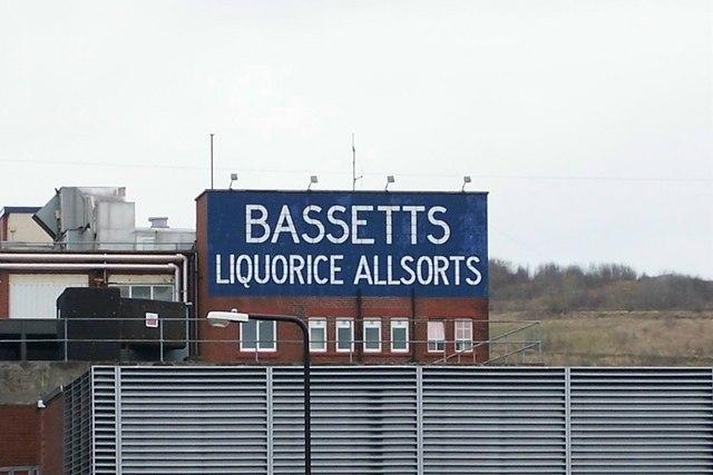 Bassett's Liquorice Allsorts sign, viewed from Beulah Road