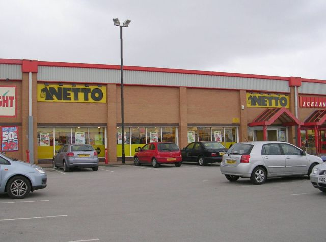 Netto - Woodhall Retail Park