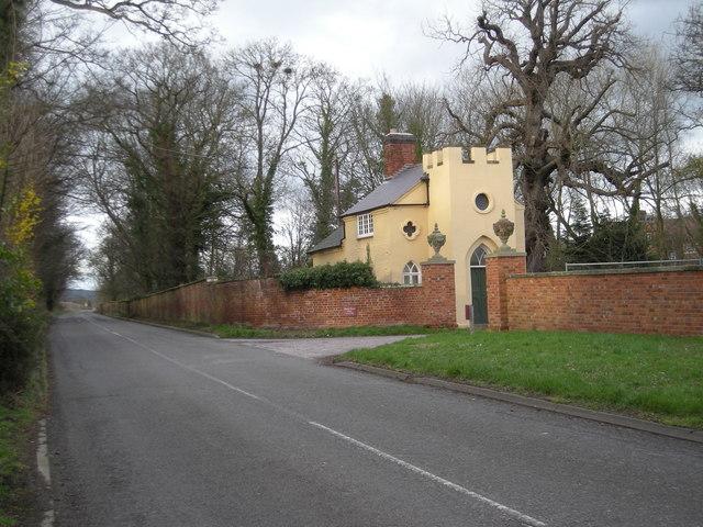 Lodge to Attingham Home Farm