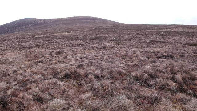 Rough ground on Carn Loch nan Amhaichean