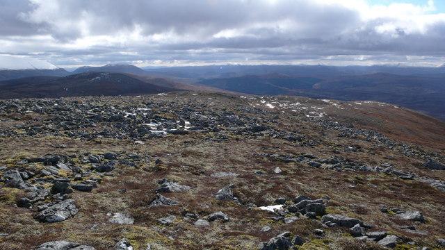 Summit area of Carn Loch Nan Amhaichean