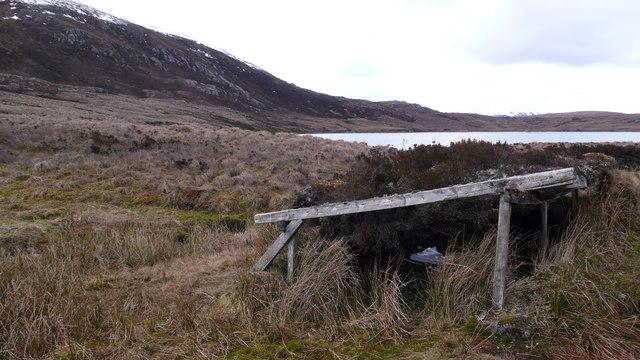 Mystery structure at Loch nan Amhaichean