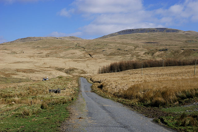 Minor road by Nant-y-moch reservoir