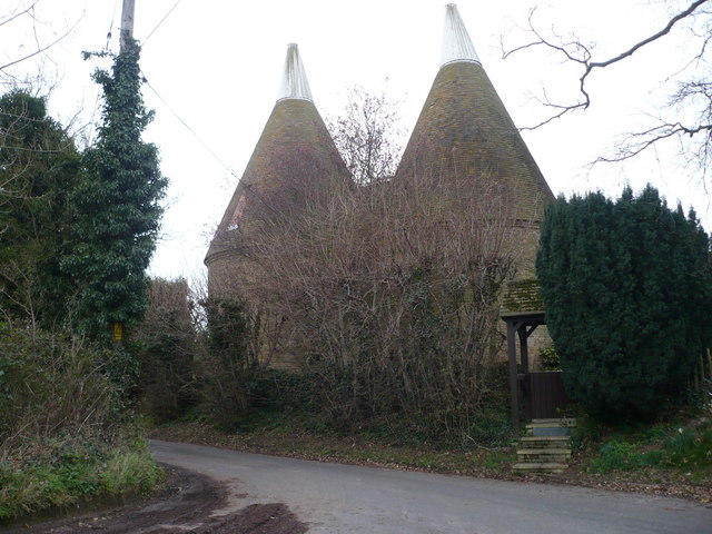 Converted oast house, Nouds Road