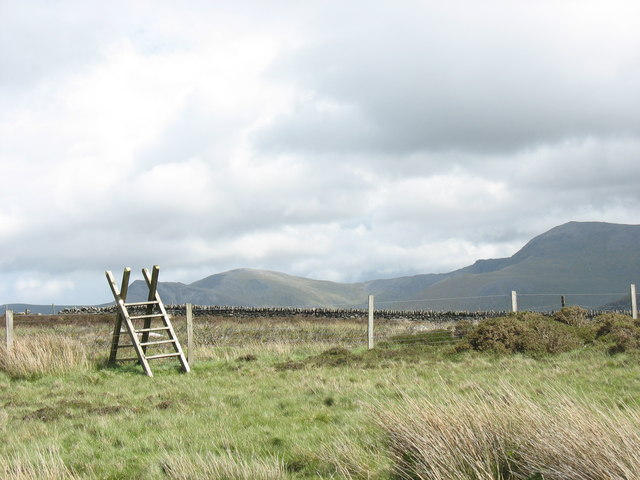 Stile at path junction at Pen-y-bwlch
