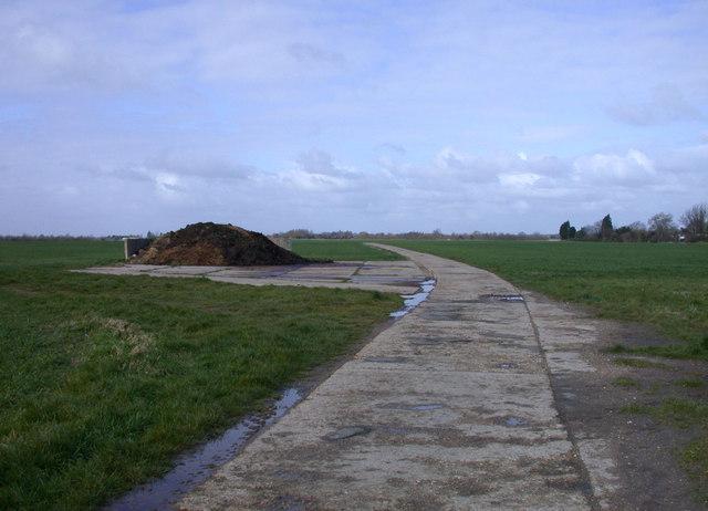 Public Footpath to Barton