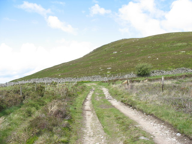 Bend on track to Rhiwlas