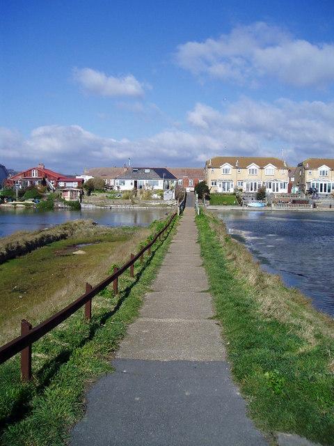 Footpath to Brighton Road (A259)