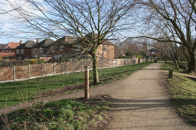 A walk round Martin's Pond (2)