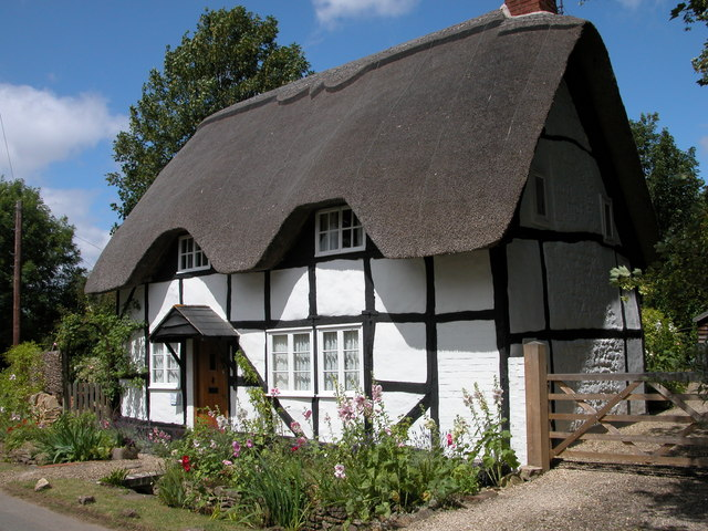 Thatched cottage in Elmley Castle