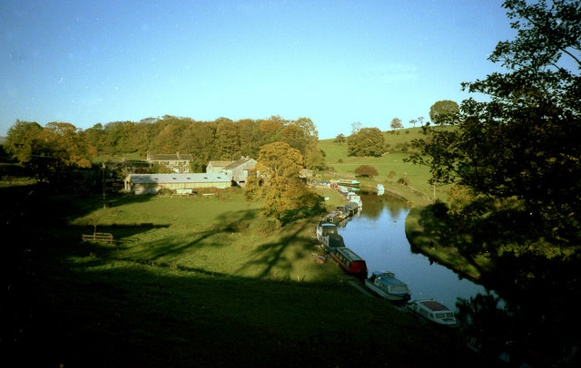 Leeds and Liverpool Canal, East Marton