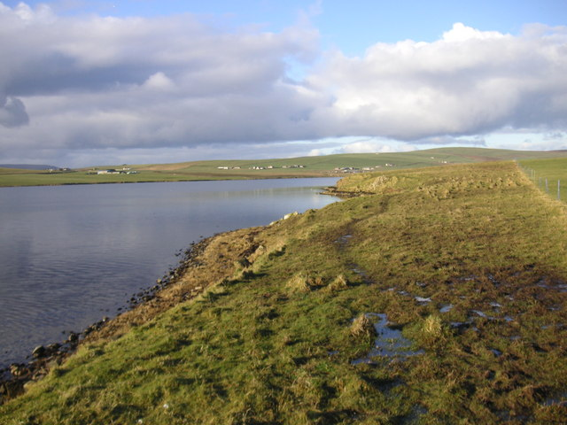 Loch shore at the Ness of Seatter
