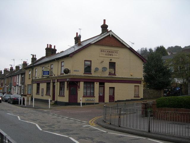 Brickmakers Arms Pub, Luton Road