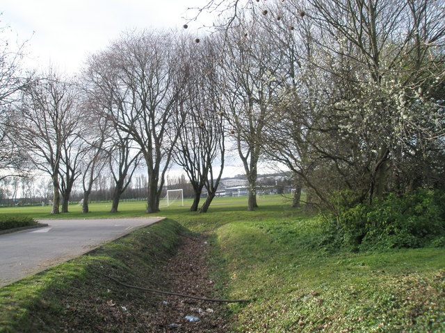 Ditch between The Inland Revenue and King George the Fifth Rec, Cosham