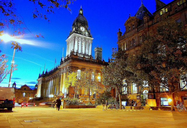 Leeds town hall by night